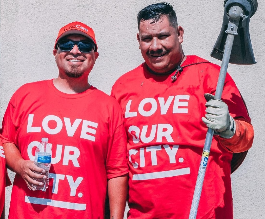 Palm Springs team volunteers to clean up local school