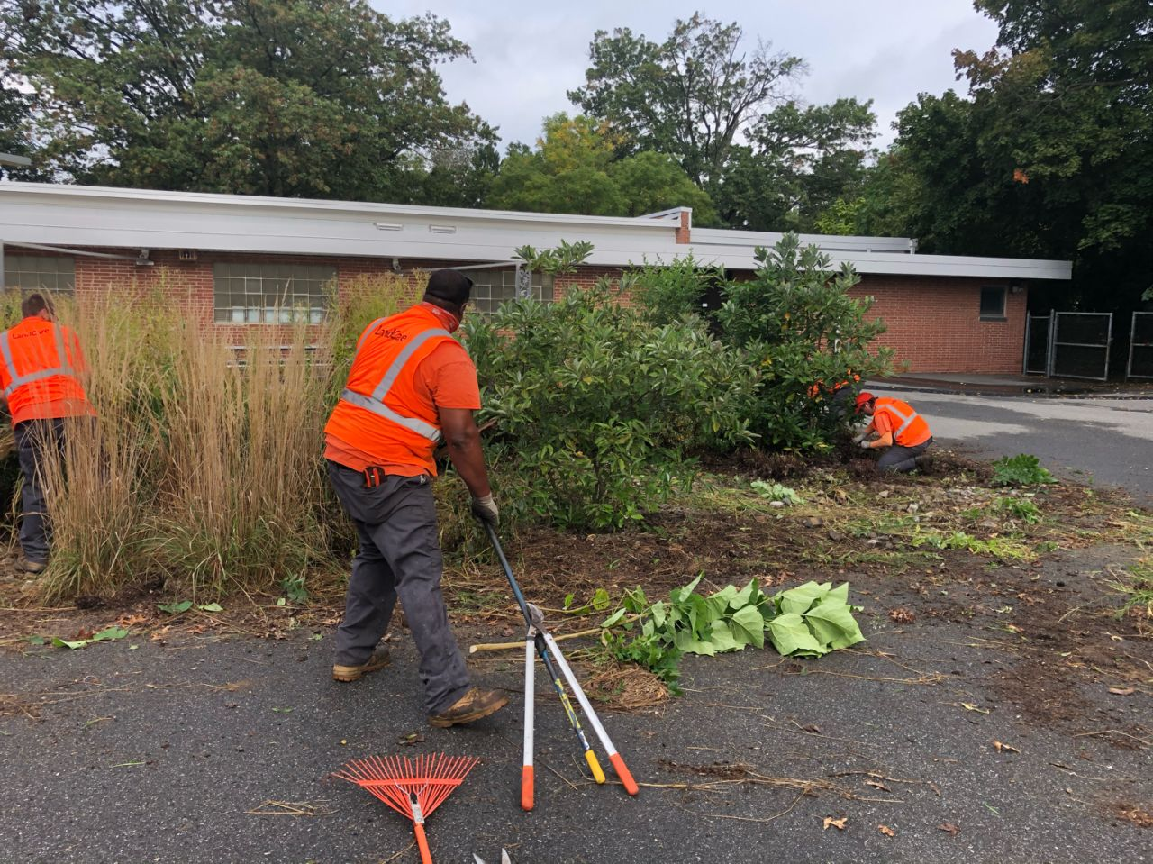 Greater Philadelphia team cleans up landscape at Zane North Elementary
